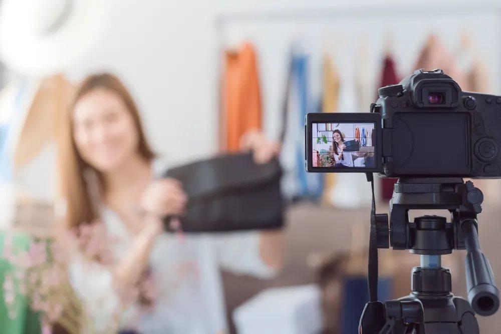 鸟哥笔记,视频直播,连线Insight,MCN,抖音,带货,电商,抖音,直播