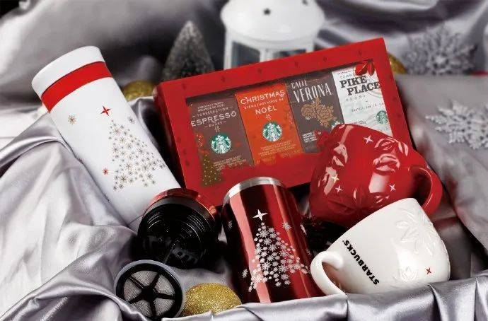 鸟哥笔记,品牌策略,品牌观察报,星巴克,喜茶,策略,品牌